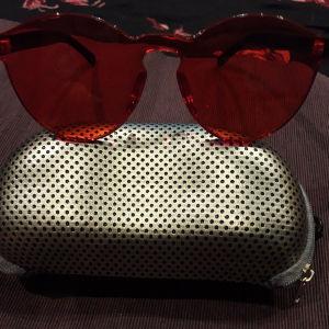 Πανέμορφα γυαλιά ηλίου- αξεσουάρ.