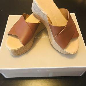 Platforms leather