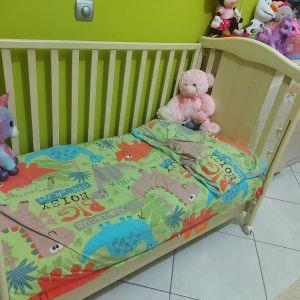βρεφικό κρεβάτι με συρταριερα