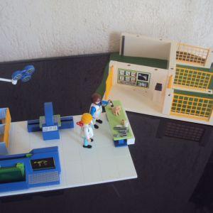Playmobil. Κλινική μικρών ζώων με ακτινογραφικό μηχάνημα.
