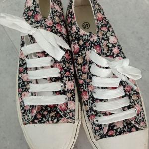 sneakers γυναικεία