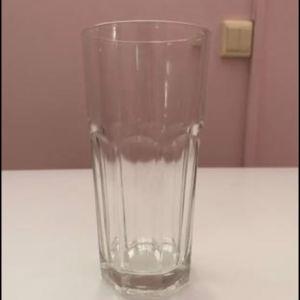 Σετ με ποτήρια νερού, ποτήρια ουίσκι, διάφανα μπολ και τασάκια