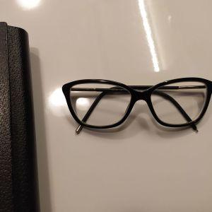 Πωλούνται Μυωπικά γυαλιά Burberry
