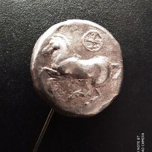 Συλλεκτική καρφίτσα από καθαρό ασήμι, αντίγραφο αρχαίου νομίσματος
