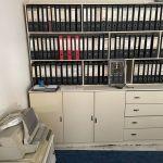 Βιβλιοθήκες και ντουλαπιέρες σε λευκό χρωμα, με πολλα ραφια και χωρις φθορες και χτυπηματα