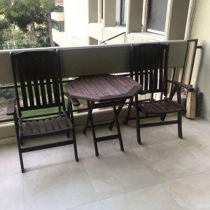 Σετ τραπεζάκι και 2 πολυθρόνες από ξύλο μασίφ