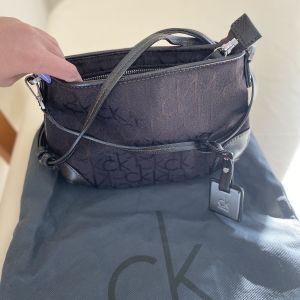 Calvin Klein τσαντάκι αυθεντικό