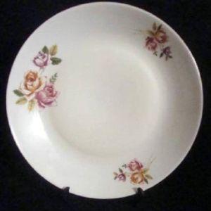 (4) Τέσσερα παλαιά πορσελ.πιάτα σερβιρίσματος.