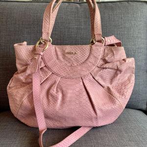 Τσαντα Furla δερμάτινη σε ροζ χρώμα