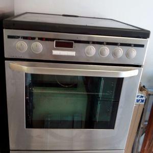 Κουζίνα aeg 60 x 60 με κεραμικές εστίες σε άριστη κατάσταση 8 ετών