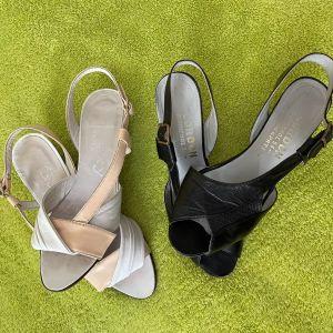 Όλα μαζί 10 ευρώ. 2 Βιντάζ Γυναικεία Παπούτσια Νο 36. Δέρμα μέσα έξω