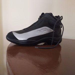 Γυναικεία παπούτσια μηχανής