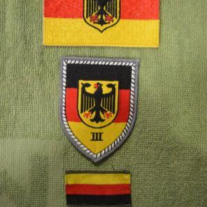 Τρία υφασμάτινα διακριτικά του Γερμανικού Στρατού (καινούργια)