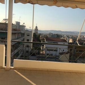 Ιδιαίτερα φωτεινό οροφοδιαμέρισμα 100τμ 6ου ορόφου στη Νέα Σμύρνη