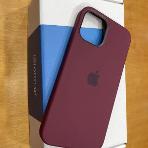 Apple Silicone Case with MagSafe Back Cover Plum (iPhone 12 / 12 Pro)
