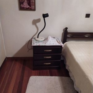 Κρεβάτι μονό με κομοδίνο