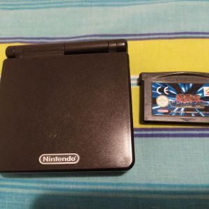 Game Boy Advance SP + κασέτα + φορτιστής