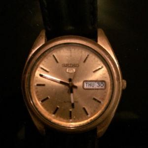 Πωλείται το αυτόματο ρολόι seiko 5  711042
