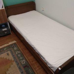 Ένα Κρεβάτι μονο με στρωμα