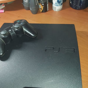 PlayStation3 με 4 χειρηστηρια