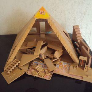 Μεγαλη Αιγυπτιακη πυραμιδα.