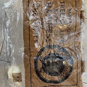 τσάντα παραλιας από φελο με σχέδιο ΔΕΝΤΡΟ
