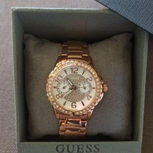 GUESS γυναικείο ρολόι χειρός σε rose gold με μπρασελέ