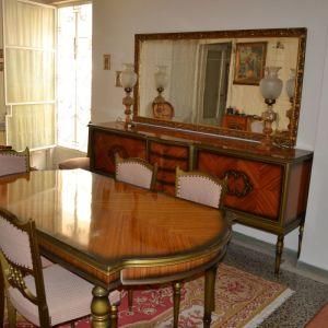 τραπεζαρία με 6 καρέκλες, μπουφέ & καθρέφτη