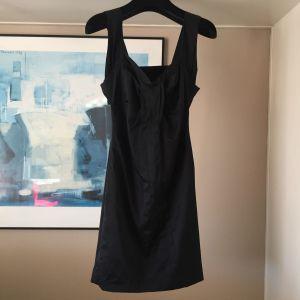 Toi&Moi Σατέν Φόρεμα Με Ανοιχτή Πλάτη