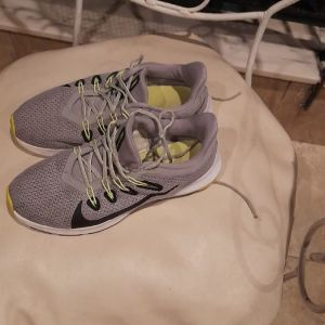 Παπουτσια  Nike ελαχιστα χρησιμοποιημενα