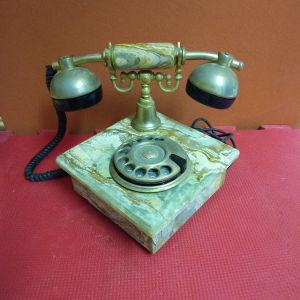 παλιό τηλέφωνο από οχυνια