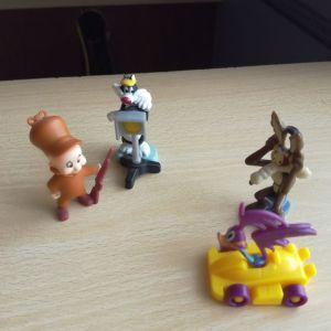 10 μινιατούρες + 1 φιγούρα δώρο του Peter Pan