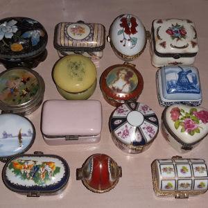 Συλλογή από 15 μικρές μπιζουτιέρες