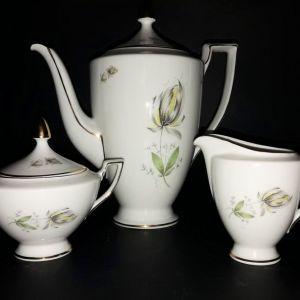 Βαυαρική πορσελάνη, 11 τεμάχια σε νεοκλασικό ύφος, σερβίτσιο καφέ ή τσάι.