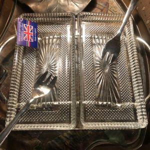 QUEEN ANNE Αγγλίας Σετ 5 τμχ του 1980 επάργυρη βάση με 2 κρυστάλλινα δισκάκια αποσπώμενα και 2 επάργυρα πιρούνια...Άθικτα στο κουτί τους!