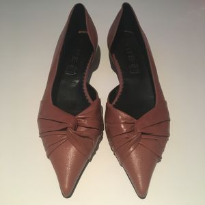 Γυναικεία δερμάτινα παπούτσια καινούργια