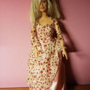 Πωλείται κούκλα barbie
