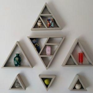 Τριγωνική ραφιέρα τοίχου
