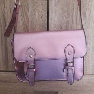 Πρακτικά καινούρια ροζ τσάντα
