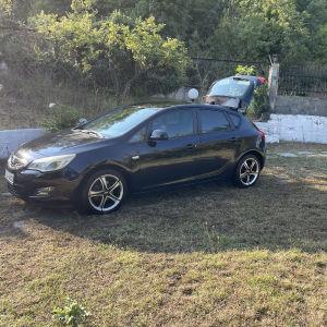 Πωλείται Opel Astra j 1.4 βενζίνη του 2011 σε παρά πολύ καλή κατάσταση!!!