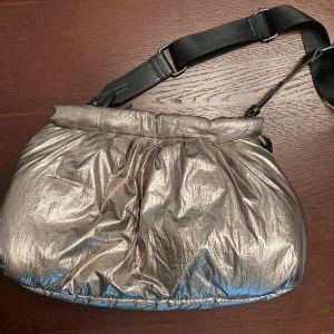 Τσάντα χειρός και χιαστί zara