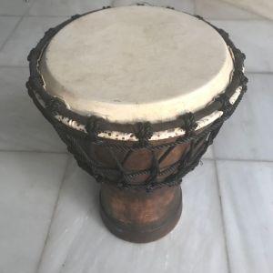 Μουσικό όργανο / τουμπερλέκι -κρουστό μεταχειρισμένο .