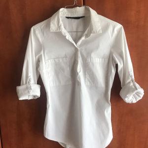λευκό πουκάμισο Zara