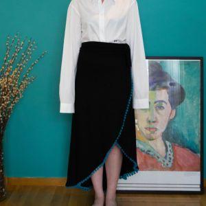Μαύρη Χειροποίητη Gypsy Φούστα με Τιρκουάζ Πομ Πομ