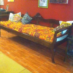 Παραδοσιακός καναπές