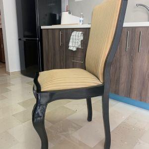 Καρέκλες απο ξύλο