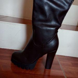 Μπότες ψηλές.