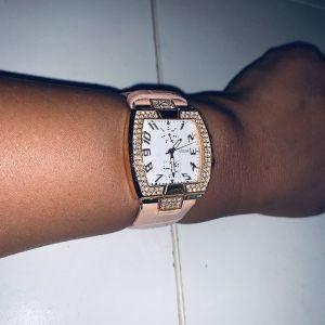 guess ρολόι καινούριο