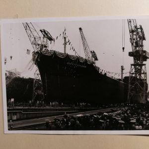 ΚΑΤΑΣΚΕΥΗ ΠΛΟΙΟΥ του 1963 (ΑΝΑΜΝΗΣΤΙΚΟ ΑΛΜΠΟΥΜ 60 ΦΩΤΟΓΡΑΦΙΩΝ) από τα Ναυπηγεία της Χιτάτσι του πλοίου SS SANTA FE EXPLORER