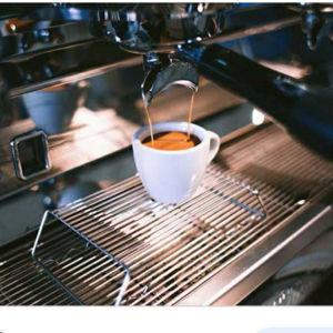 ζητειται κοπελα για καφε